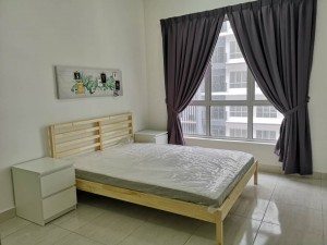 Newly Fully-Furnished Master Bedroom with Aircond & Study Chair/Table (Free WiFi & near Mahsa Uni)