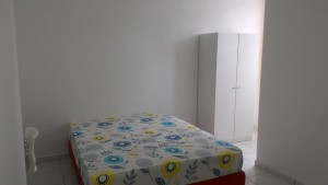 Bukit Indah 2 G&G Medium room with private toilet and TV