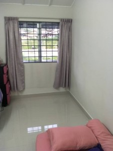 SINGLE ROOM FOR RENT @WALKING DISTANCE TO LRT