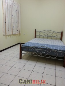 Middle room for rent at Jati 2 Apartment USJ 1