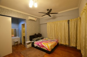 OUG, Happy Garden, Kuchai Lama , Old Klang Road @ Master Room with Air Cond & Fully Furnish