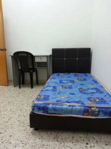 Room At Sea Park 10mins WALK to LRT taman Paramount With High Speedy WI-FI