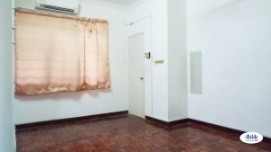 Available Room For Rent At Taman Wawasan, Internet & Full Facilities