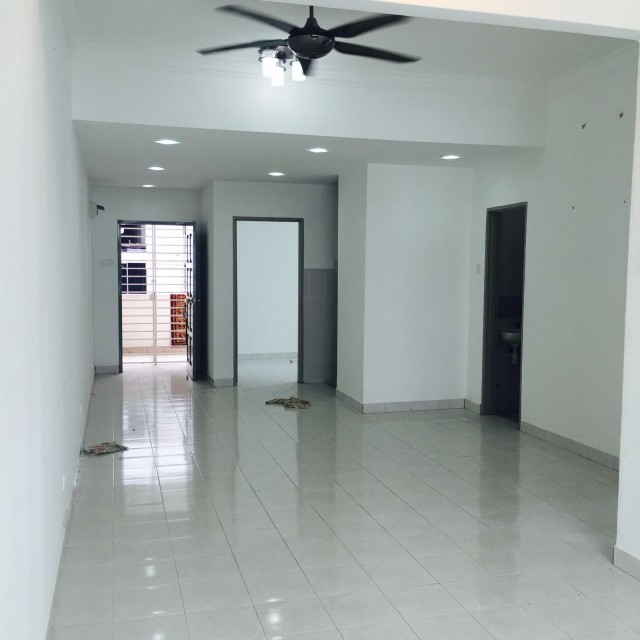 162 RESIDENCY Selayang FOR RENT( RM1100 ONLY! READY MOVE IN NOW)