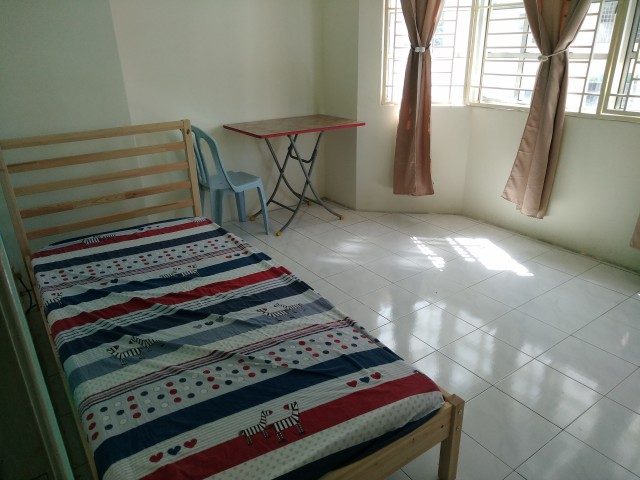 Middle Room at Heritage Condo, Setapak, KL