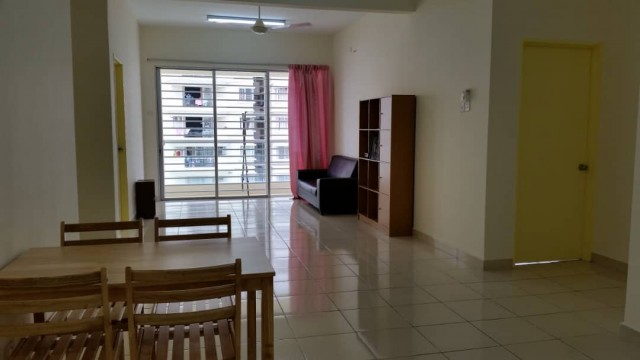 PV8  Medium room for rent (Can move in on 1st February 2020)