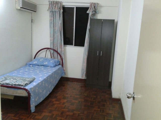 Weekly Cleaning Room To Let At USJ 6, LRT With High Speed Wifi & Housekeeping Services
