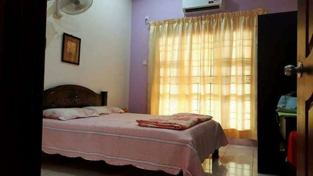 Cozy Room at Bandar Puteri Puchong, With Security Service