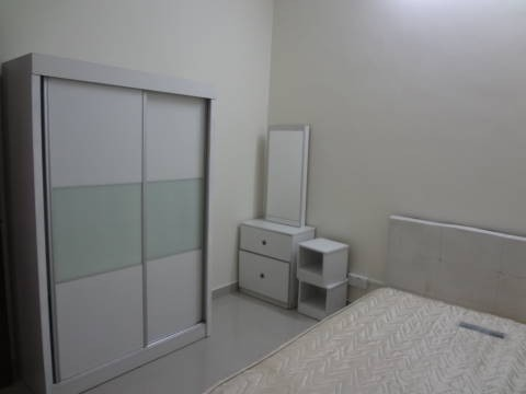 Middle room for rent at Jalan 17/44