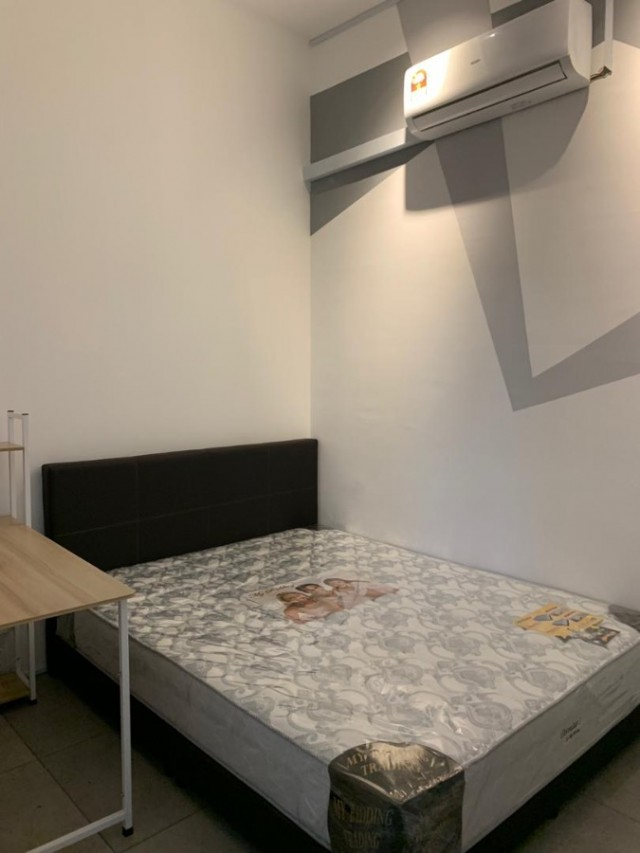 New Renovated Middle room for rent at D'Sands Residences, Old Klang Road