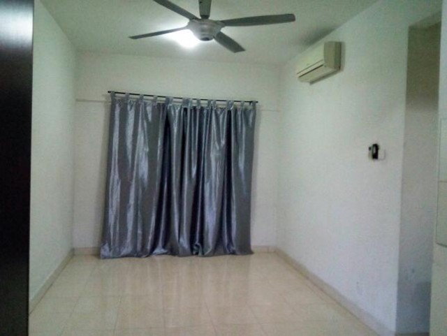Master Room to Let